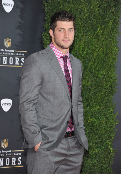 Tim+Tebow+NFL+Honors+Pepsi+Rookie+Year+xnAnt_ondgOl
